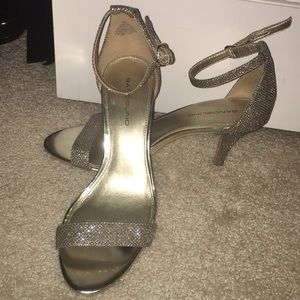 Gold sparking strapped heels